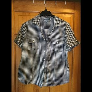 Karen Scott button shirt